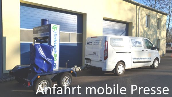Anfahrt mobile Reifenpresse